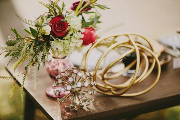 creative-blush-wedding-inspiration-at-echo-park-lake-21