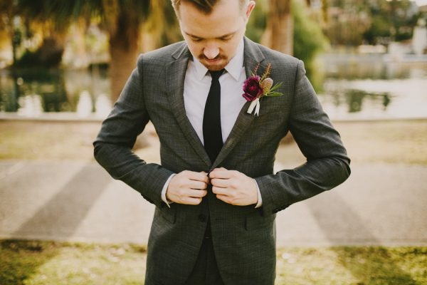 creative-blush-wedding-inspiration-at-echo-park-lake-4