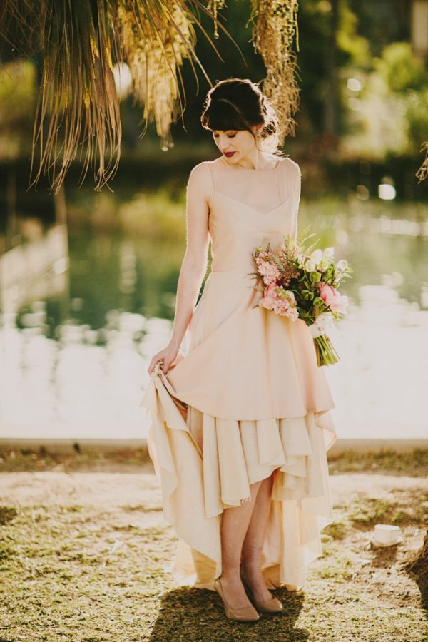 creative-blush-wedding-inspiration-at-echo-park-lake-5