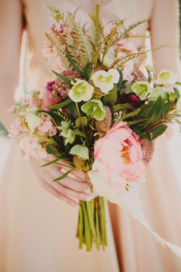 creative-blush-wedding-inspiration-at-echo-park-lake-7