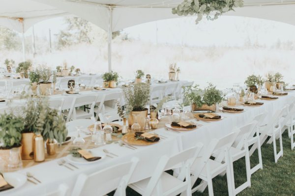 enchanting-british-columbia-wedding-with-a-touch-of-retro-vibes-10
