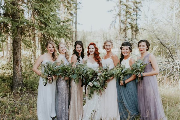 enchanting-british-columbia-wedding-with-a-touch-of-retro-vibes-22