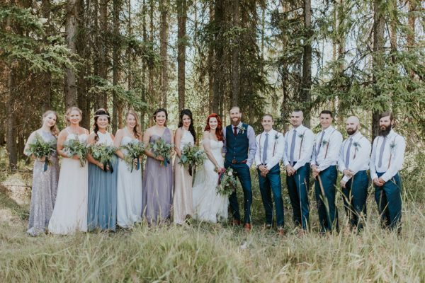 enchanting-british-columbia-wedding-with-a-touch-of-retro-vibes-25