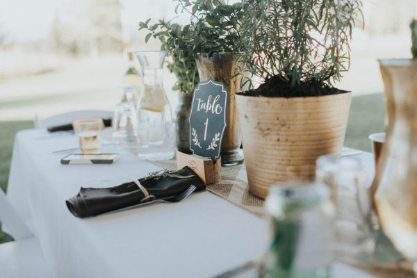 enchanting-british-columbia-wedding-with-a-touch-of-retro-vibes-33
