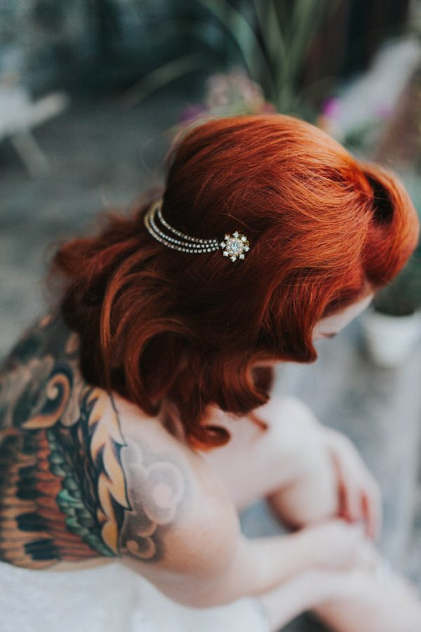 enchanting-british-columbia-wedding-with-a-touch-of-retro-vibes-35