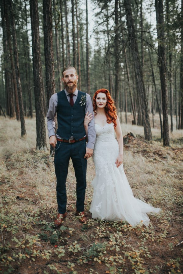 enchanting-british-columbia-wedding-with-a-touch-of-retro-vibes-37
