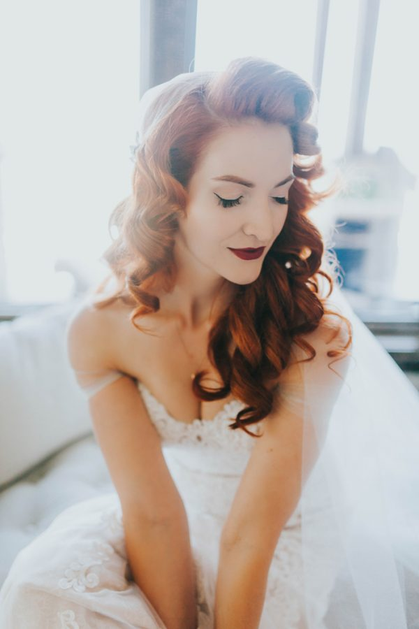 enchanting-british-columbia-wedding-with-a-touch-of-retro-vibes-6