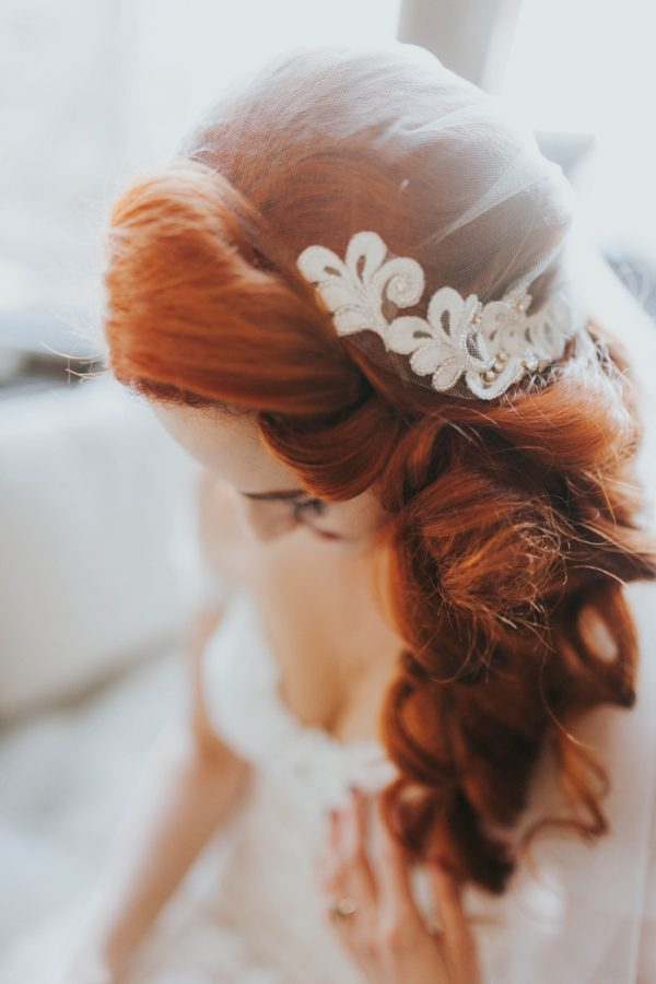 enchanting-british-columbia-wedding-with-a-touch-of-retro-vibes-7