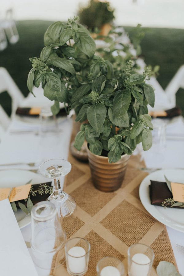 enchanting-british-columbia-wedding-with-a-touch-of-retro-vibes-8