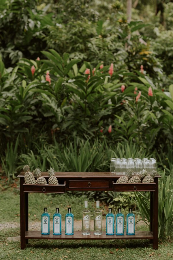glamorous-fiji-wedding-at-the-garden-of-the-sleeping-giant-20