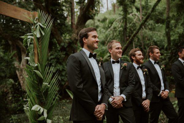 glamorous-fiji-wedding-at-the-garden-of-the-sleeping-giant-22