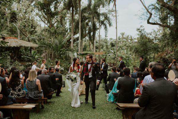 glamorous-fiji-wedding-at-the-garden-of-the-sleeping-giant-23