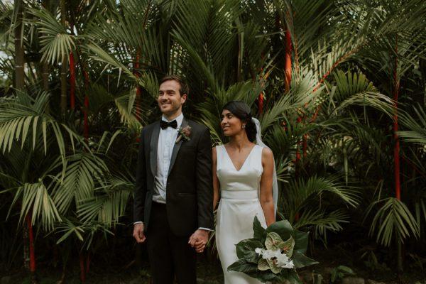 glamorous-fiji-wedding-at-the-garden-of-the-sleeping-giant-25