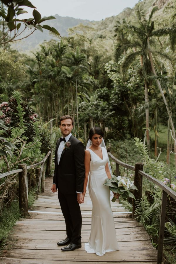 Glamorous Fiji Wedding At Garden Of The Sleeping Giant Junebug Weddings