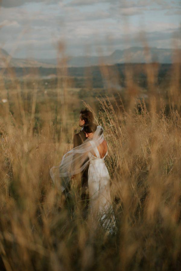 glamorous-fiji-wedding-at-the-garden-of-the-sleeping-giant-30