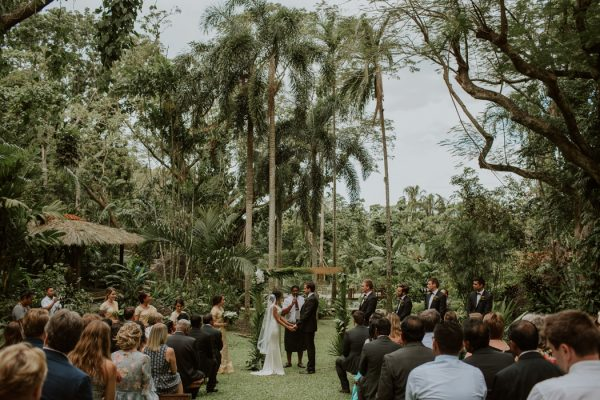 glamorous-fiji-wedding-at-the-garden-of-the-sleeping-giant-5