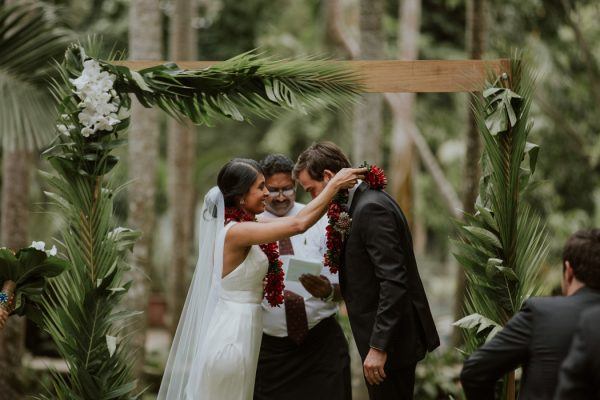 glamorous-fiji-wedding-at-the-garden-of-the-sleeping-giant-6