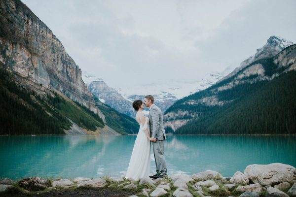 look-no-further-than-these-photos-for-your-lake-louise-elopement-inspiration-1