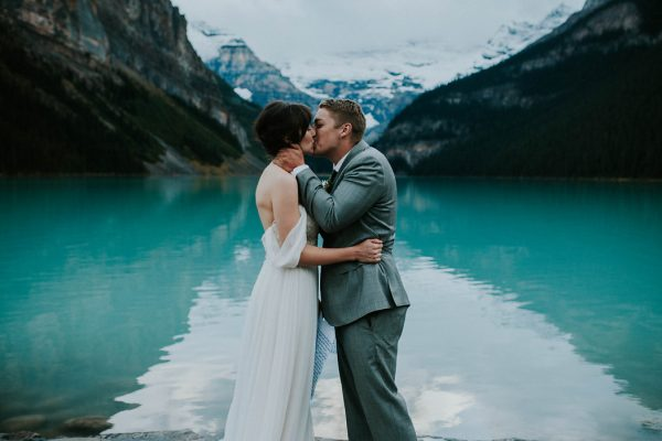 look-no-further-than-these-photos-for-your-lake-louise-elopement-inspiration-13
