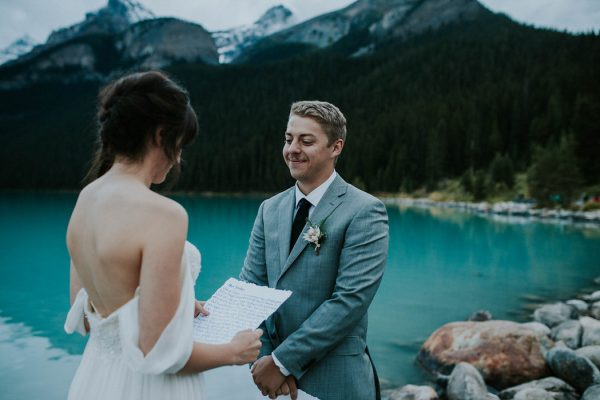look-no-further-than-these-photos-for-your-lake-louise-elopement-inspiration-14