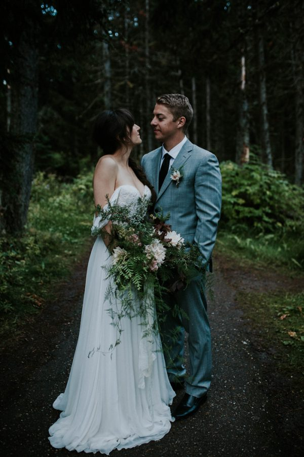 look-no-further-than-these-photos-for-your-lake-louise-elopement-inspiration-19