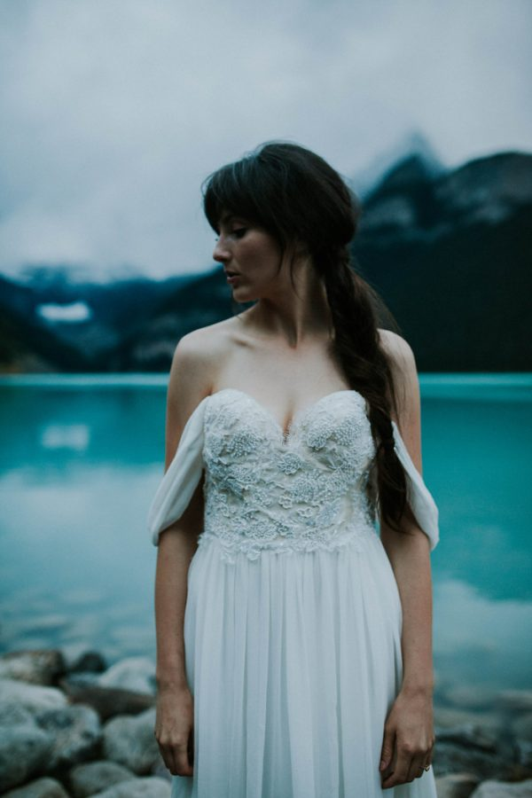 look-no-further-than-these-photos-for-your-lake-louise-elopement-inspiration-26