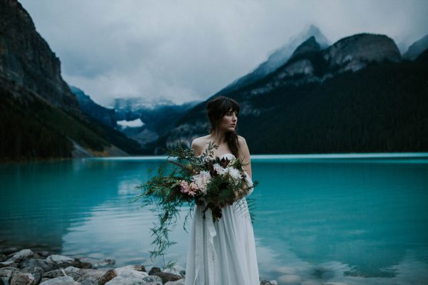 look-no-further-than-these-photos-for-your-lake-louise-elopement-inspiration-28