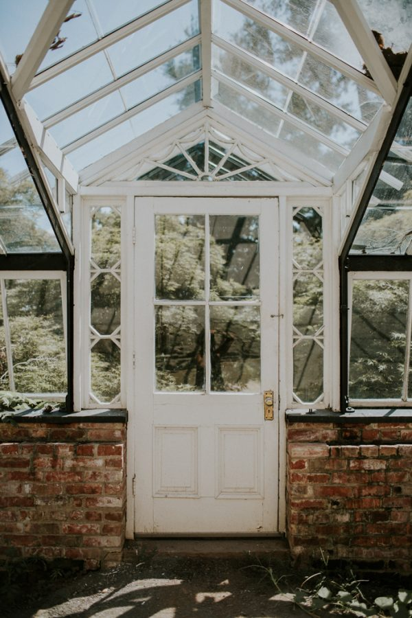 minimalist-and-budget-friendly-wedding-at-oatlands-historic-house-and-gardens-2