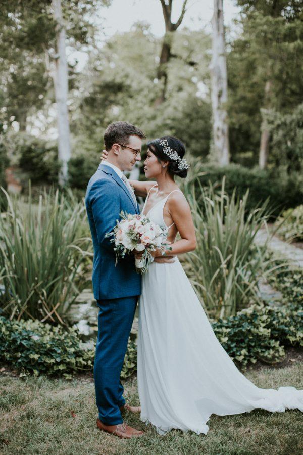 Minimalist And Budget Friendly Wedding At Oatlands Historic