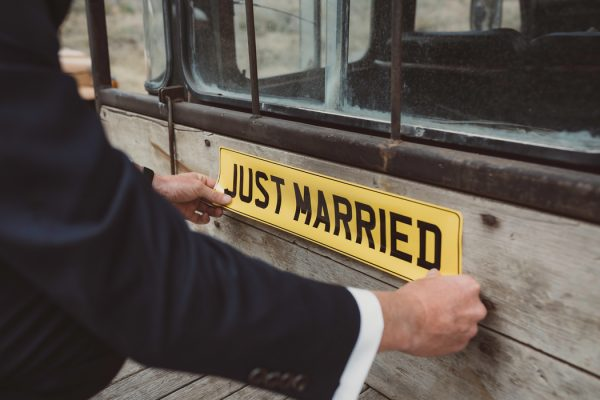 relaxed-waterfront-new-zealand-wedding-at-the-longbeach-estate-13