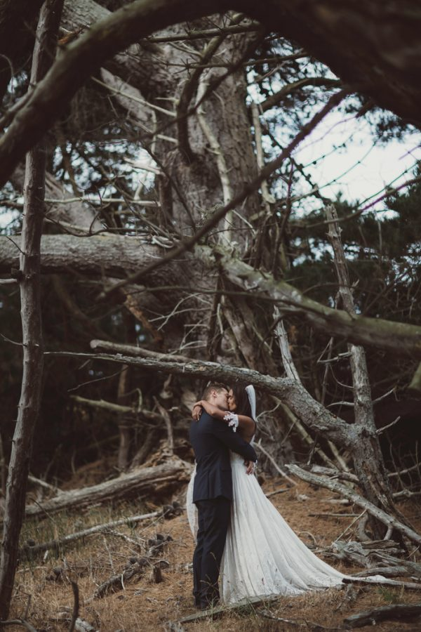 relaxed-waterfront-new-zealand-wedding-at-the-longbeach-estate-17