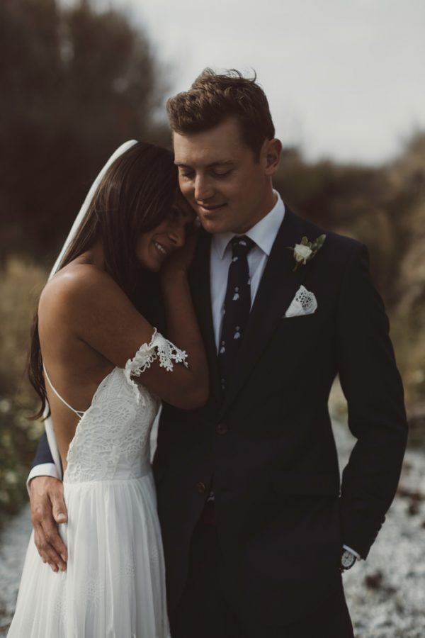 relaxed-waterfront-new-zealand-wedding-at-the-longbeach-estate-20
