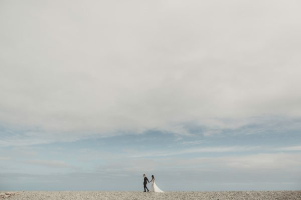 relaxed-waterfront-new-zealand-wedding-at-the-longbeach-estate-22