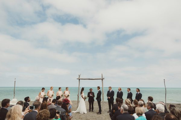 relaxed-waterfront-new-zealand-wedding-at-the-longbeach-estate-7