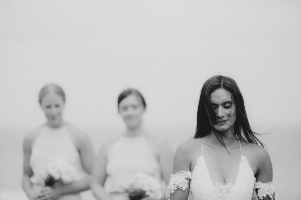 relaxed-waterfront-new-zealand-wedding-at-the-longbeach-estate-9
