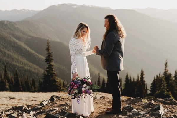 stylish-and-secluded-olympic-national-park-elopement-19