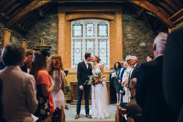sweet-and-sparkly-leicestershire-wedding-at-the-old-stables-15