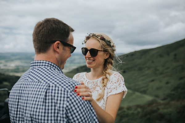 these-newlyweds-took-a-romantic-drive-through-moel-famau-24-hours-after-saying-i-do-19
