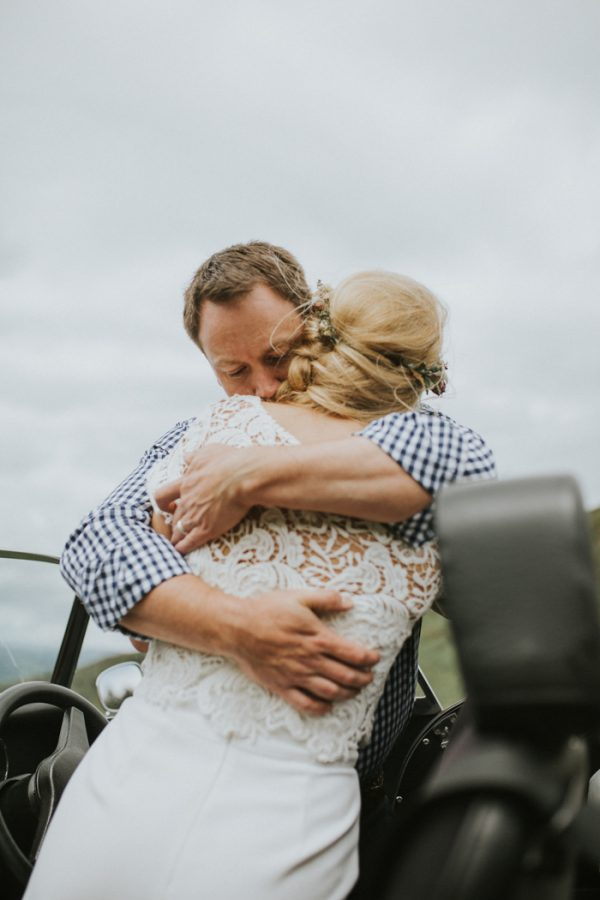 these-newlyweds-took-a-romantic-drive-through-moel-famau-24-hours-after-saying-i-do-25