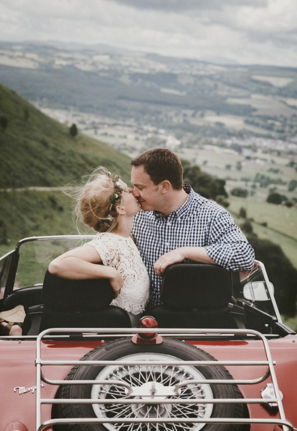 these-newlyweds-took-a-romantic-drive-through-moel-famau-24-hours-after-saying-i-do-7