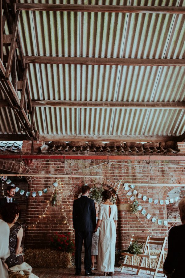 this-couple-put-a-natural-spin-on-their-sledmere-house-barn-wedding-15