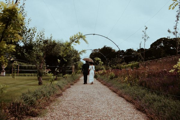 this-couple-put-a-natural-spin-on-their-sledmere-house-barn-wedding-27