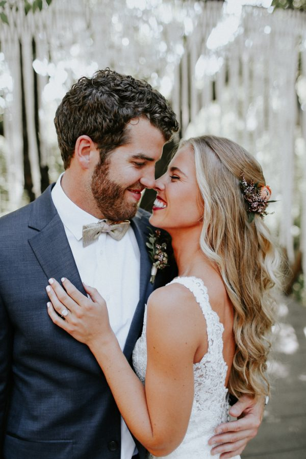 this-fall-wedding-at-southwind-hills-seamlessly-blends-bold-and-soft-styles-13