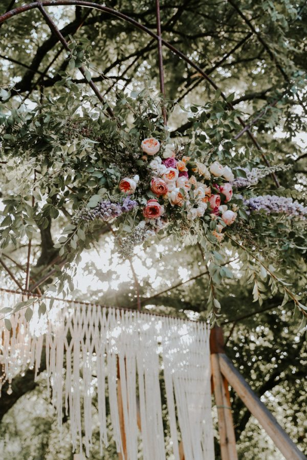 this-fall-wedding-at-southwind-hills-seamlessly-blends-bold-and-soft-styles-24