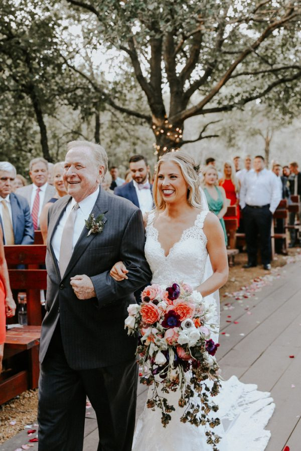 this-fall-wedding-at-southwind-hills-seamlessly-blends-bold-and-soft-styles-25