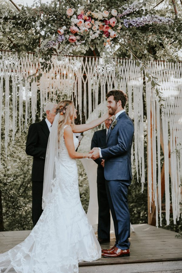 this-fall-wedding-at-southwind-hills-seamlessly-blends-bold-and-soft-styles-26