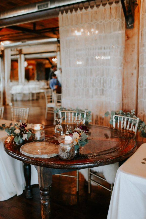 this-fall-wedding-at-southwind-hills-seamlessly-blends-bold-and-soft-styles-38