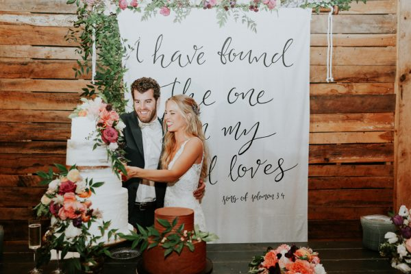 this-fall-wedding-at-southwind-hills-seamlessly-blends-bold-and-soft-styles-45