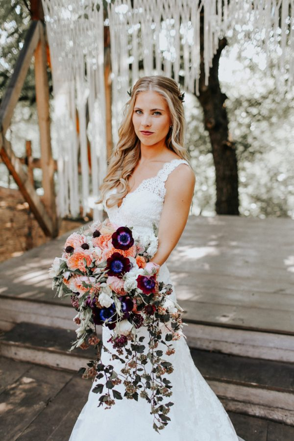 this-fall-wedding-at-southwind-hills-seamlessly-blends-bold-and-soft-styles-9