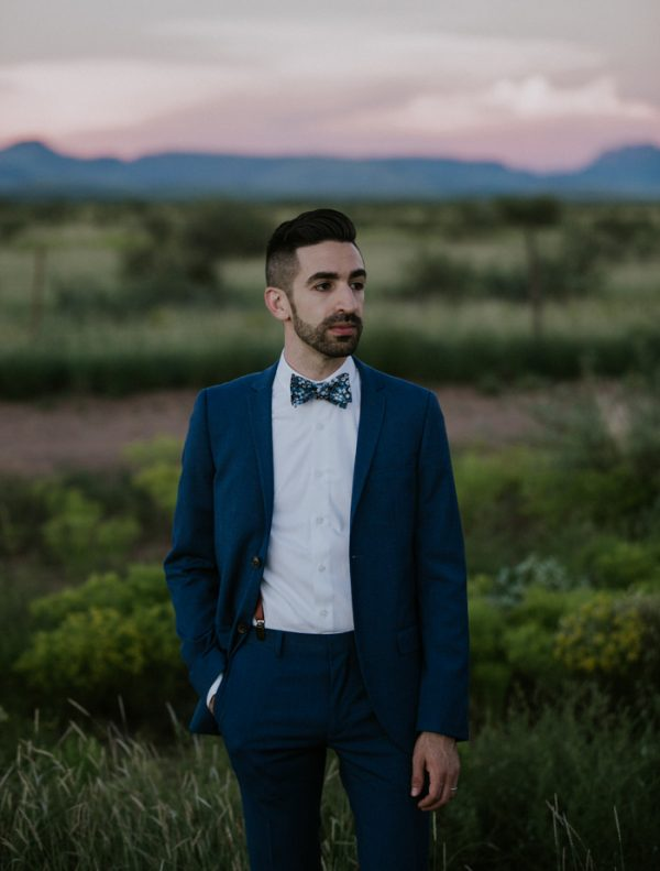 this-gorgeous-marfa-wedding-captures-the-magic-of-west-texas-10